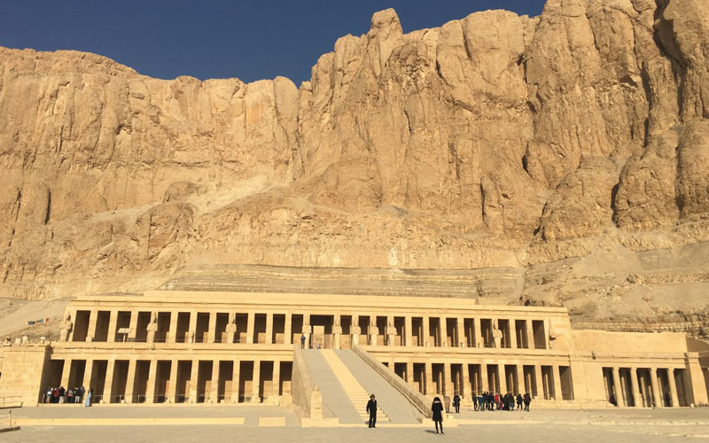 the most elegant 1 day tour from Aswan to luxor